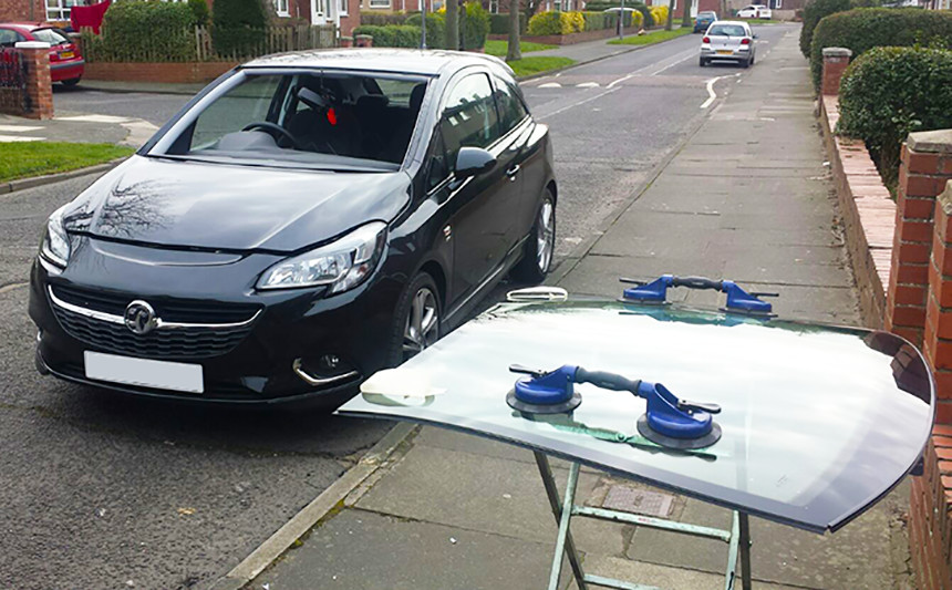 Mobile Windscreen Repair and Replacement Service from Auto Screen